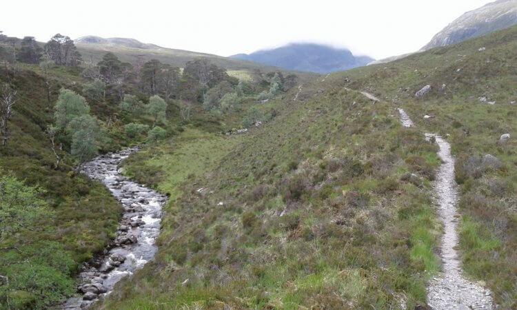 Die Steigung ist meist mäßig und der Trail im unteren Bereich gut fahrbar