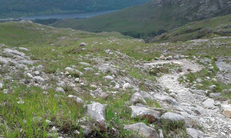 Nach anfänglichem flowigem Felsplattensurfen gibt es das letzte Foto, bevor es so richtig ab geht.
